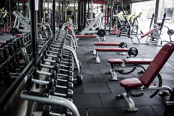 Echipament fitness recondiționat - proiectare și amenajare cluburi și săli de fitness
